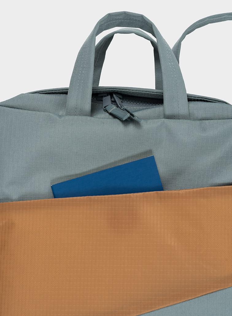 Backpack grey & camel