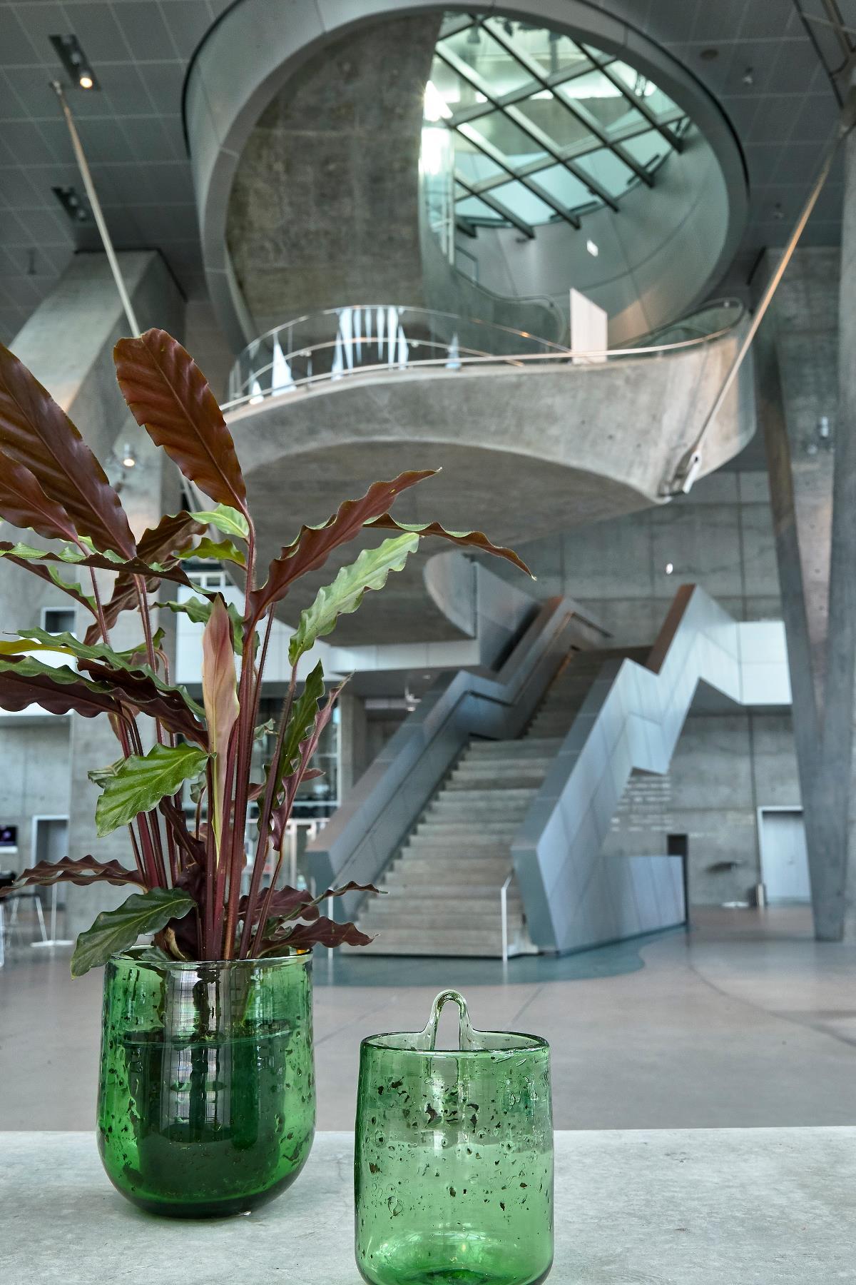 Flower pot wall glass green large