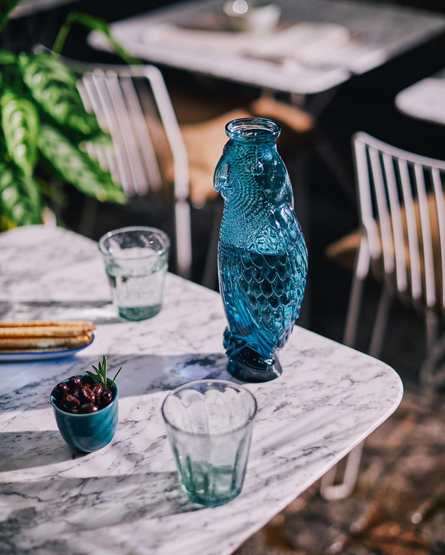 Cockatoo carafe blue