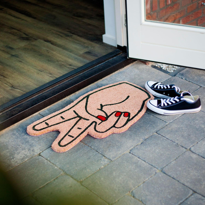 Doormat hands