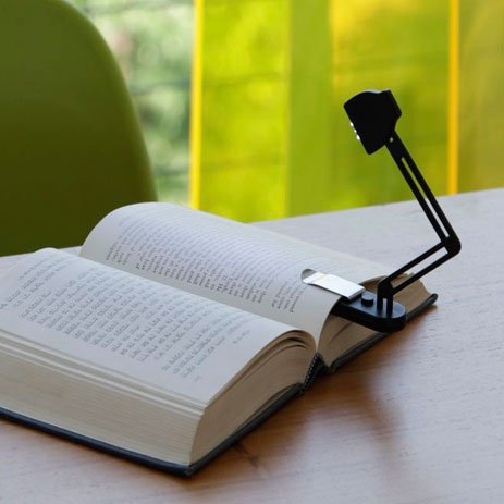 Slim folding book lamp
