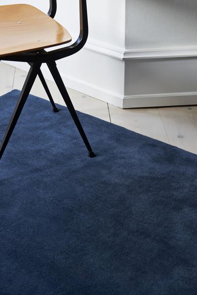 Raw Rug NO2 170 x 240 cm Midnight blue