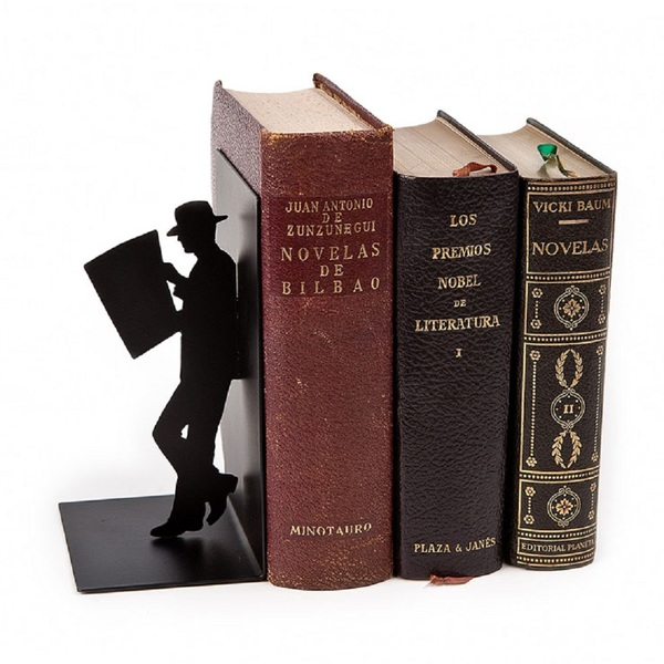 Bookend the reader black