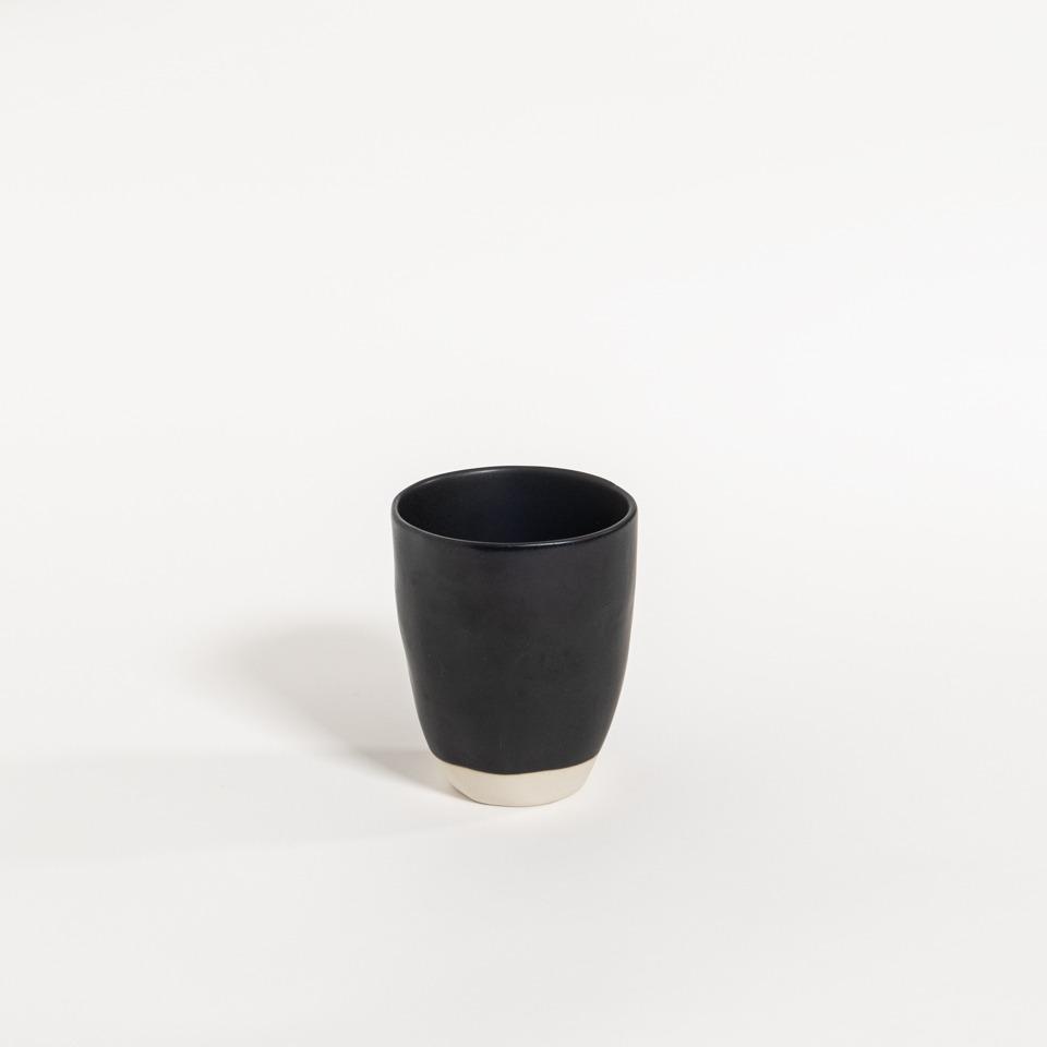 atelier - mug (no handle) black pepper